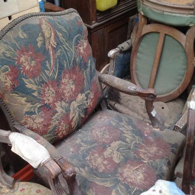 débarras de vieux fauteuils à Paris